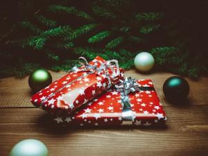 christmas gift shopping