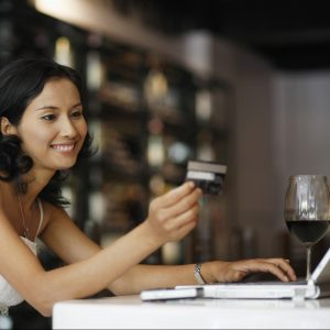 woman-online-shopping